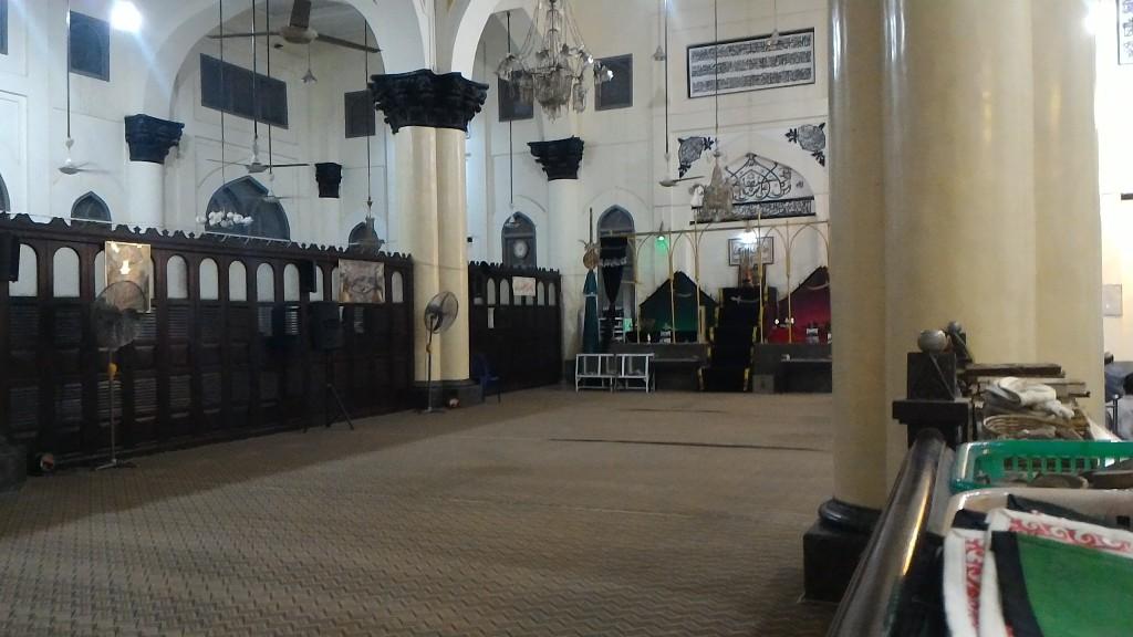 Interior dalam Masjid Syiah